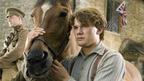 スピルバーグ監督も圧倒された雄大な自然に酔いしれる『戦火の馬』本編映像が到着!