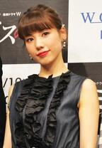 仲里依紗、美しい黒ドレスで登場も私服は小4レベル?