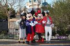 佐野岳&トミタ栞、海外ディズニーのリアルな感動をお届け!「世界のディズニーリゾートへGO!」