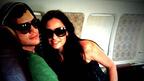 Twitterマニア夫妻、デミ&アシュトンがプライベート・ジェット緊急着陸を実況