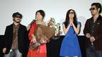 前田愛、挙式を10日後に控え共演陣からの花束の祝福に、驚き過ぎて3Dメガネで…