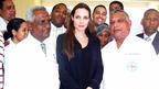 アンジー、ハイチ大震災被災者と面会。破局報道の英国紙をブラピと共に告訴
