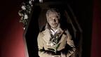 平井堅が死んじゃう? 新曲「アイシテル」映像は涙必至 特注サイズの棺桶から熱唱
