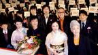"""""""鯛色""""で初日祝い! 仲間由紀恵、観客からの声援に「お褒めの言葉、ありがとう」"""