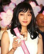 川口春奈、「鼻水たらして泣いてしまった…」主演作『一週間フレンズ。』封切りに感激