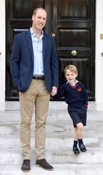 ジョージ王子、父・ウィリアム王子に手を引かれて初登校!