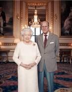 エリザベス女王&フィリップ殿下、結婚70周年記念写真を公開