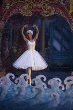 マッケンジー・フォイも「一番好き」ミスティ・コープランドの舞いに惚れる『くるみ割り人形と秘密の王国』