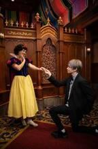 中島健人、白雪姫と見つめ合うカリフォルニアロケ写真初公開