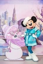 """【ディズニー】ミニーマウスの""""冬限定""""ファッションを初公開!バースデーお祝い動画も"""