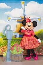 """【ディズニー】3月2日は""""ミニーの日""""!パークでは初登場の春ファッションをお披露目"""