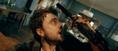 目覚めたら両手が拳銃に!? ダニエル・ラドクリフ主演『ガンズ・アキンボ』本編映像