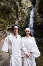 水原希子&山田孝之、滝行や瞑想に初挑戦!「キコキカク」