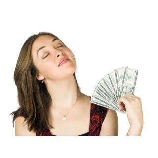 夫の収入に満足する妻は61.5% -「割と高収入」「困っていない」「感謝」