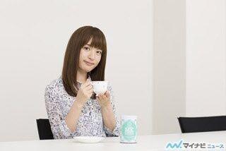 小松未可子、新曲「Latimer road」のオリジナルブレンドをテイスティング