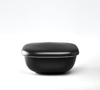 レンジでふっくらご飯がよみがえる、「ご飯釜のおひつ」を発売--HARIO