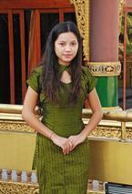 国立舞踊専門学校からスターダンサーへ - ミャンマー女性の働き方