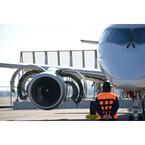 三菱航空機、MRJ初飛行に向けた右舷エンジンの試験運転時写真を公開