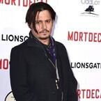 ジョニー・デップ、愛娘に変人扱いされる - 主演最新作のLAプレミアで激白
