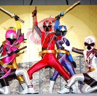 『手裏剣戦隊ニンニンジャー』参上! 合体ロボ&変身などトンデモ要素が満載