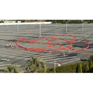 """東京ディズニーリゾート駐車場に""""巨大ミッキー""""出現! 駐車場キャストが制作"""
