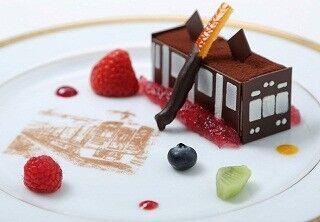 阪急電車がケーキになった! 宝塚ホテルに89周年記念ブライダルコース登場