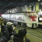 特急「はくたか」「北越」ラストラン! 金沢駅のイベントに鉄道ファン集結!