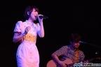 声優・花澤香菜、Bay Side Yokohamaでミニライブイベントを開催