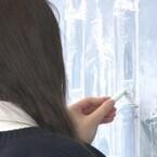 現役女子高生の黒板アート制作風景を公開-宮部みゆき「過ぎ去りし王国の城」