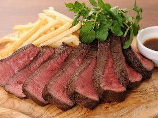 """東京都・神田に、超希少部位「RUMP CAP」ステーキを提供する""""肉バル""""登場"""