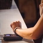Jawbone、かざして支払い完了する活動量計「UP4」 - 200ドルで今夏に発売