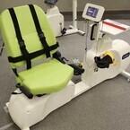 三菱電機エンジニアリング、低体力患者向け運動療法システムを発表