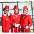 アエロフロート、世界で最も上品な客室乗務員の制服に「TVショーのよう」