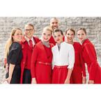 オーストリア航空、CAら約3,500人の制服を一新 - 赤を基調にエレガントに