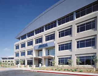 米Intel、FPGAの米Altera買収で合意、Xeonとの統合製品を計画