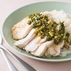 鶏むね肉なのにふっくらやわらか! 「茹で鶏むね肉のせごはん」レシピ