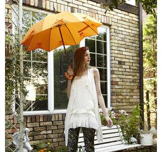 エリザベス2世も愛用するイギリスの傘ブランドに新色が登場