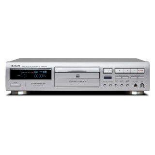 ティアック、カセットテープやMDの音源も録音できるCDレコーダー
