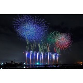 東京都・荒川河川敷で「足立の花火」開催 - 1時間に怒涛の1万2,000発!