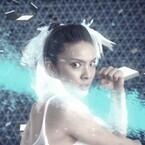 秋元才加主演『媚空』TVスポットを最速公開、肉体美あらわな新衣装も初披露