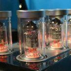 ゼンハイザー、70周年イベントで真空管8本の超弩級アンプ御開帳