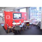 「マグネットスペース」で偶発的な出会いを促進 - ジョンソン・エンド・ジョンソンのボトムアップ型オフィス改革