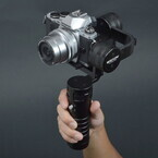 サンコー、デジタル一眼向けの3軸電動スタビライザー