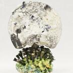 東京都・浅草にて、抽象化した陶立体を制作する陶芸家・小山暁子氏の個展