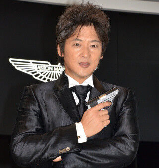 """細川茂樹、憧れの""""ボンドカー""""に大興奮! 日本版『007』への出演熱望"""