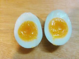 マグカップでゆで卵を作る方法