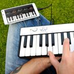 iPhoneからPC/Macに対応する小型25鍵キーボード「iRig Keys MINI」を発売