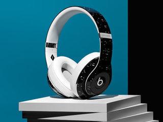 Beats、仏PIGALLEとのコラボレーションによる限定販売のヘッドフォン