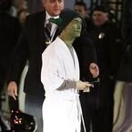 ジョセフ・ゴードン=レヴィット、ヨーダ姿で『スター・ウォーズ』プレミア登場