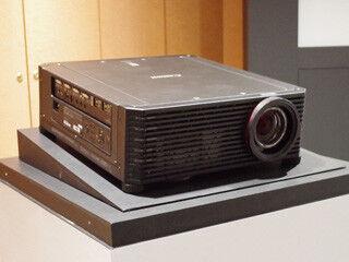 キヤノン、5,000ルーメンでデジタルシネマを上回る解像度の4Kプロジェクタ